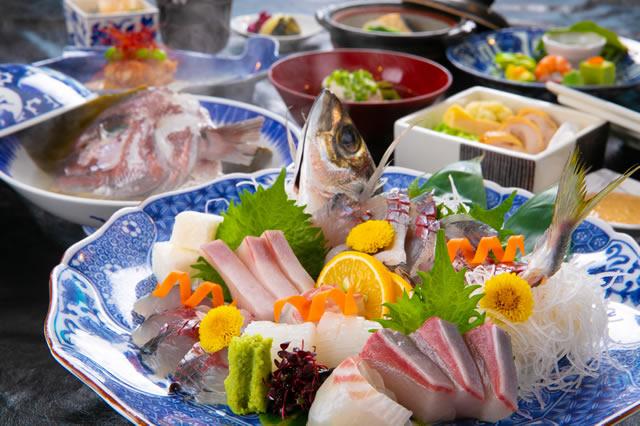 【当館人気NO1】別府湾近郊で獲れた旬魚の姿造り&地獄の兜蒸しプラン